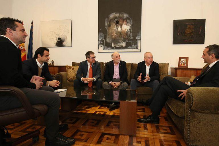 Reunión de los representantes de la Federación de Tenis de la Comunitat Valenciana con César Sánchez