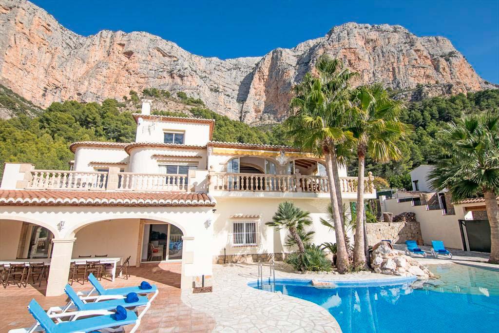 Conoce villa ermita una gran casa de vacaciones con todas for Vacaciones en villas con piscina