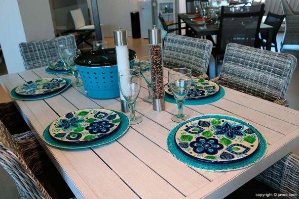 30f44e1b77e Amuebla tu terraza y jardín con las ideales mesas y sillas de Muebles MCJ  BIARD