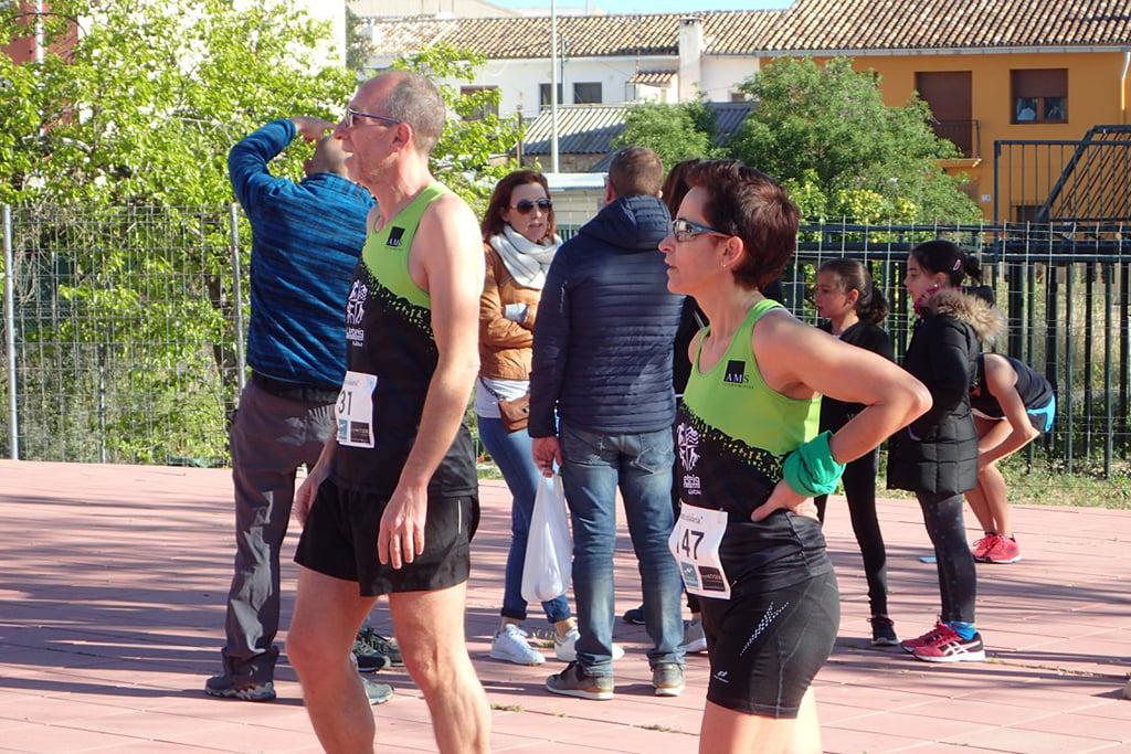 Vicent Colomer junto a una atleta de Xàbia