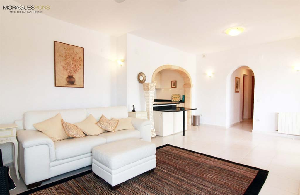 Amplis i lluminosos espais MORAGUESPONS Mediterranean Houses