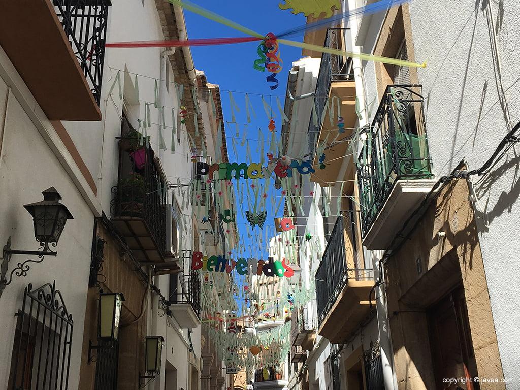 Calle engalanada