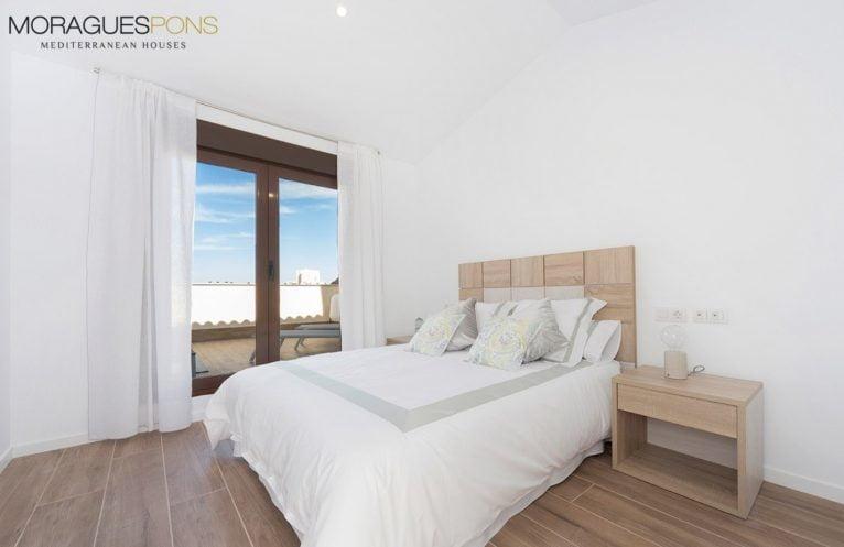 Dormitorio principal MORAGUESPONS Mediterranean Houses