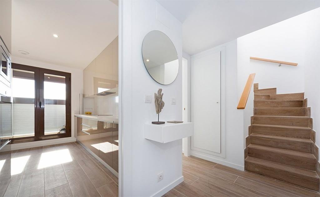 Escalera interior MORAGUESPONS Mediterranean Houses