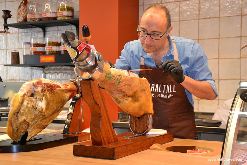 Miraltall Carns i Formatges presunto serrano