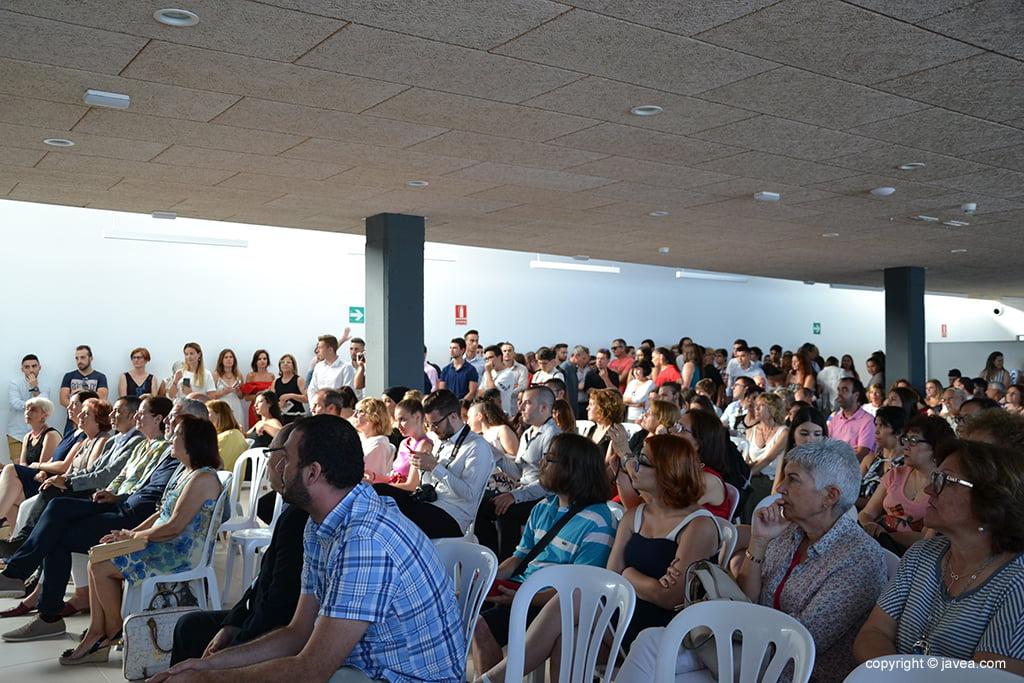 Numeroso público asistió al acto