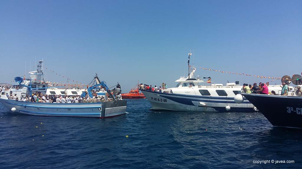 Embarcaciones de pesca de Xàbia en la procesión marinera del Día del Carmen