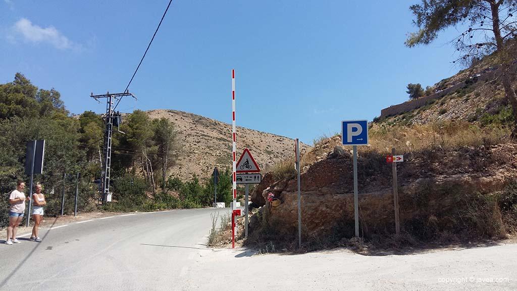 Nieuwe slagboom geïnstalleerd bij de ingang van La Cala