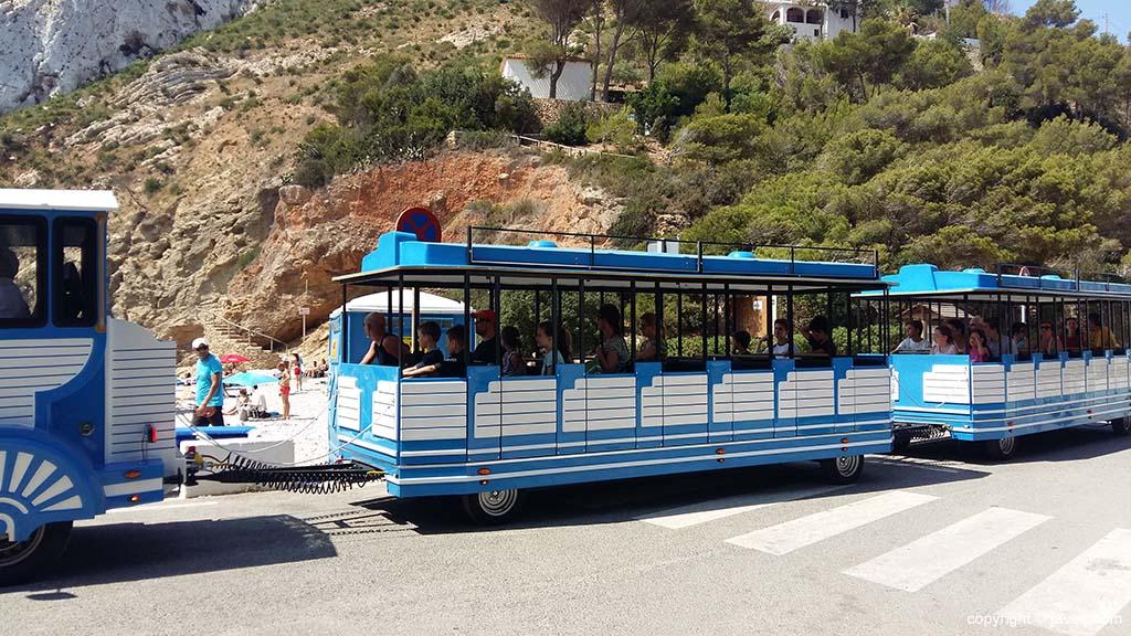 Trenet bij aankomst in Granadella