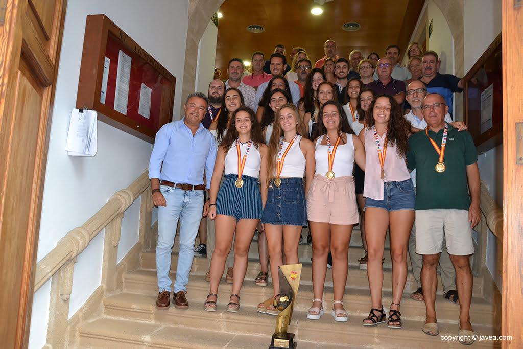 Homenaje al equipo cadete femenino de Hándbol