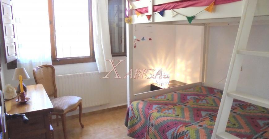 Dormitorio niños Chalet Cap Martí Xabiga Inmobiliaria