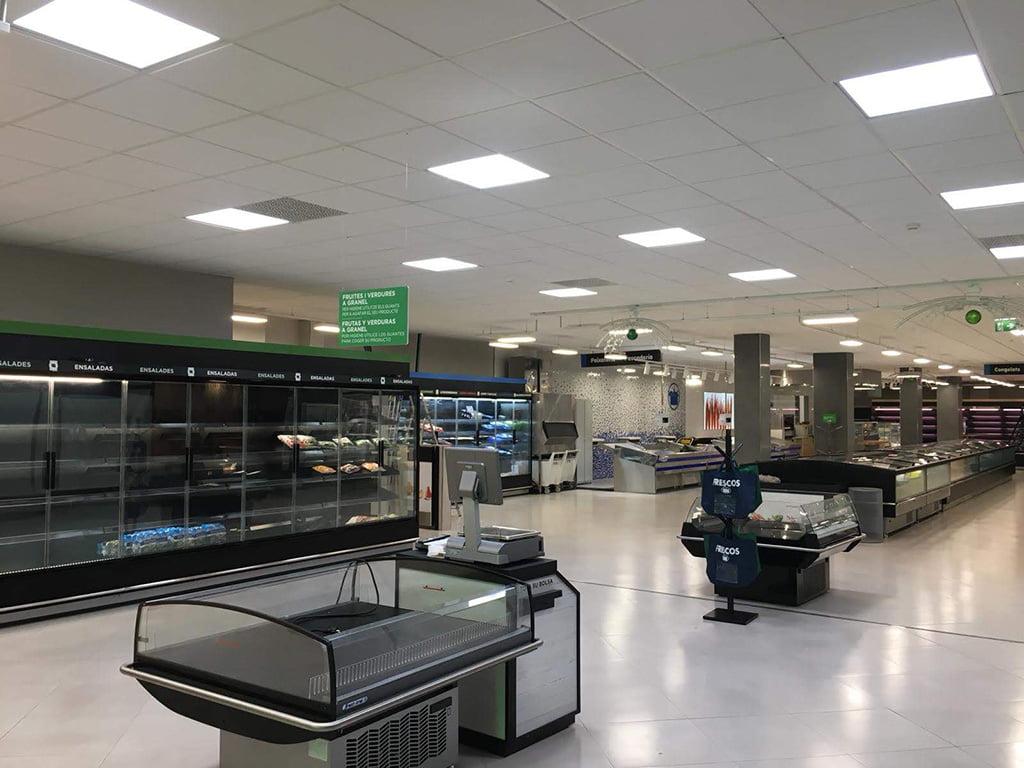 Iluminación supermercado Solatube Levante
