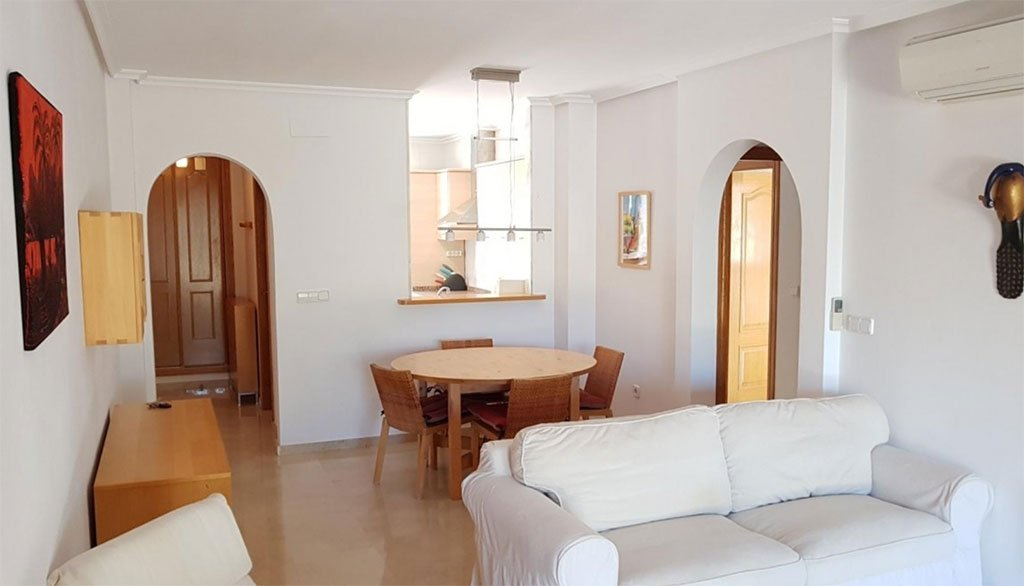 Amplia sala de estar Vicens Ash Propierties