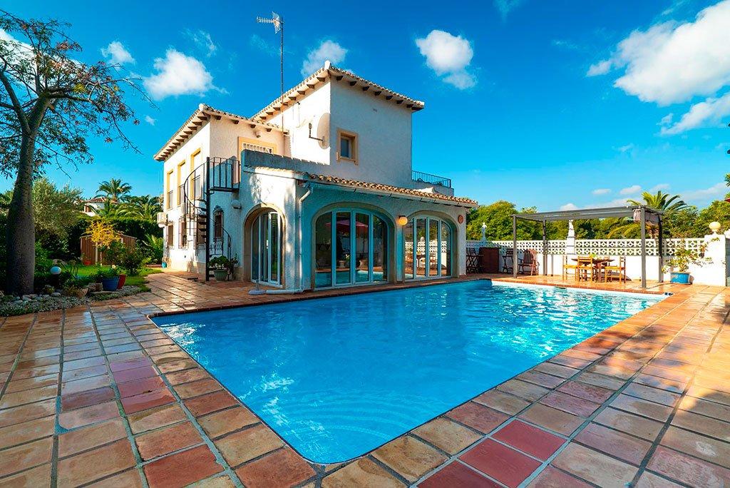 1de00e9502519 Villa vacacional ideal con piscina privada y cerca de la playa en Aguila  Rent a Villa