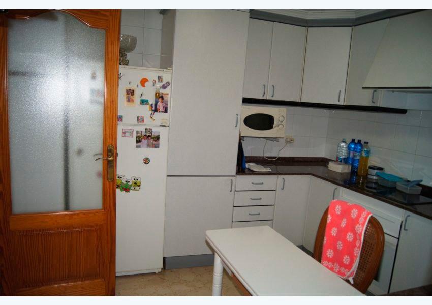 Cocina amplia Javea Houses Inmobiliaria