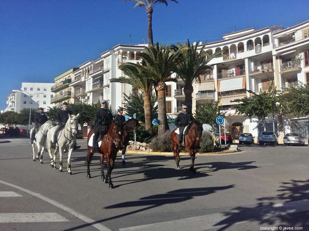 Desfile de caballos en Xàbia