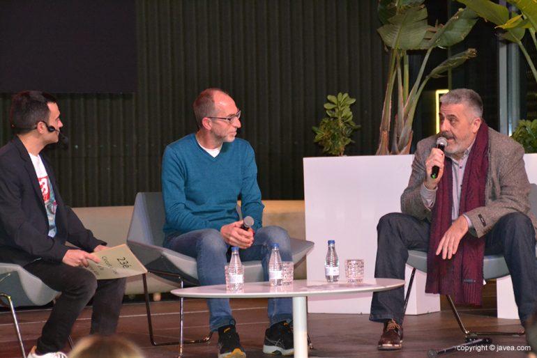 Enrique Moll y Vicent Colomer en el escenario