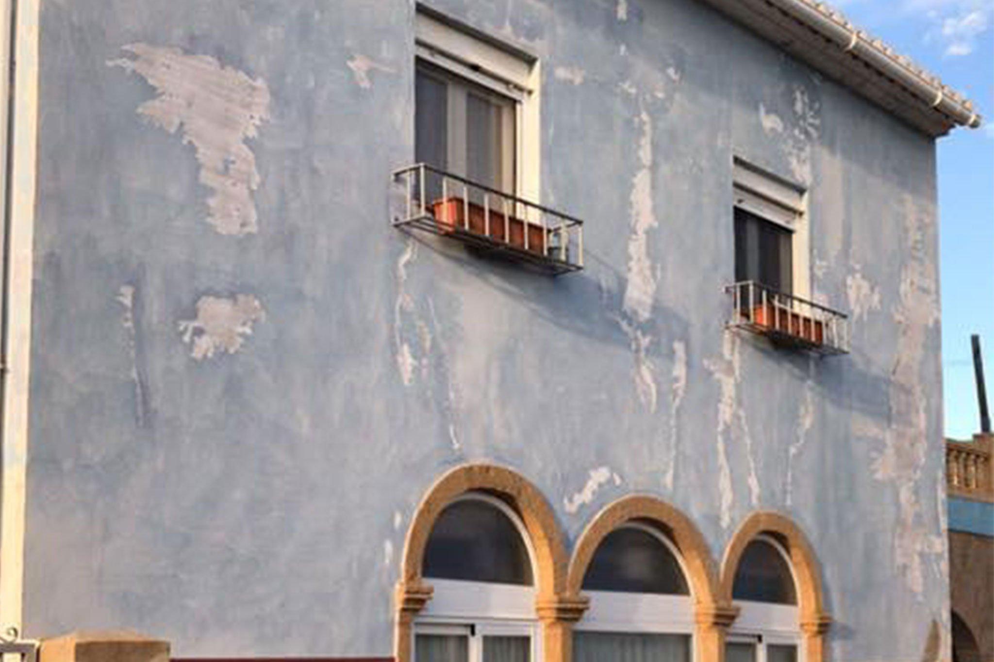 Fachada deteriorada – Pinturas Juanvi Ortolà