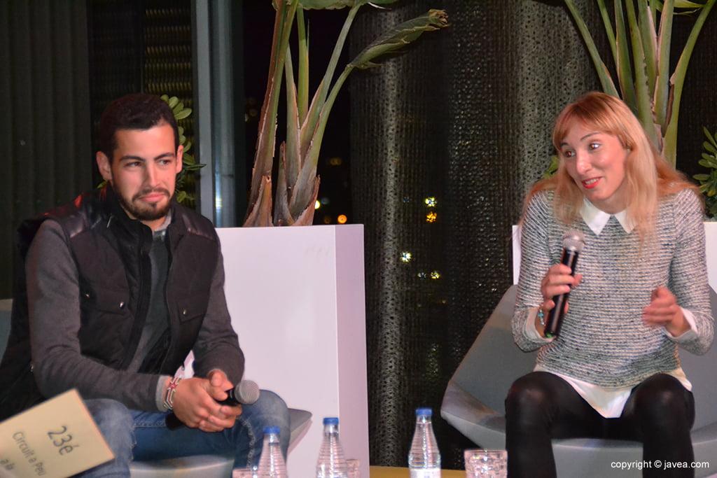 Mª Isabel Ferrer y Nizar Lakhlifi en el escenario