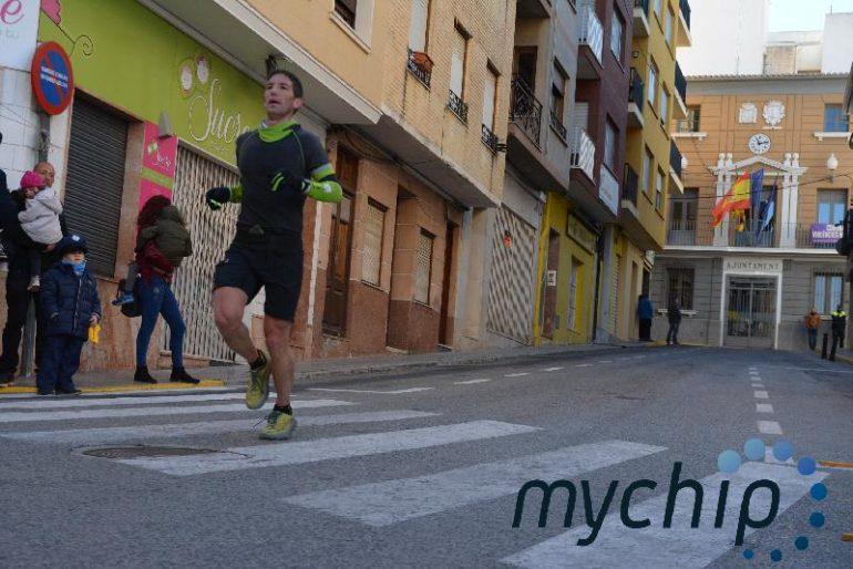 Atleta del Llebeig en la Mitja Marató Muntanya de Ocaive
