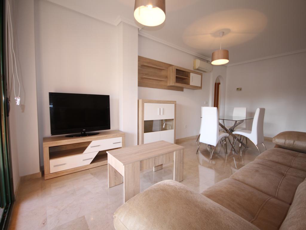 Ampli saló menjador de l'apartament de Atina Immobiliària