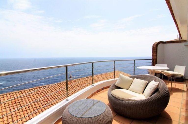 Increïbles vistes des del dúplex MORAGUESPONS Mediterranean Houses