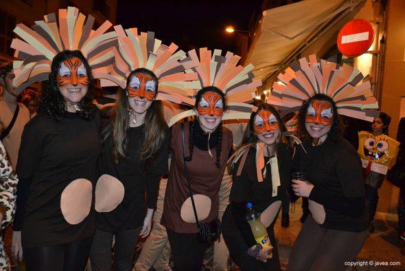 Joves disfressades al Carnaval de Xàbia