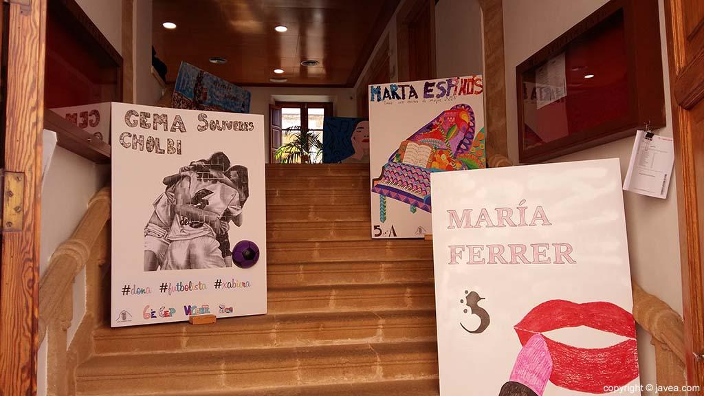 Carteles de mujeres luchadoras de Xàbia