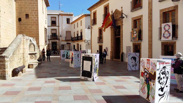 Carteles elaborados por alumnos de los colegios de Xàbia