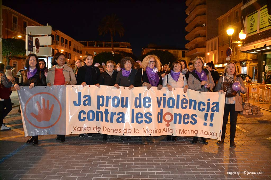 Representantes de Xàbia en la manifestación de Dénia