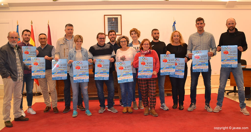 Técnicos de deportes de los municipios participantes en los Minijocs