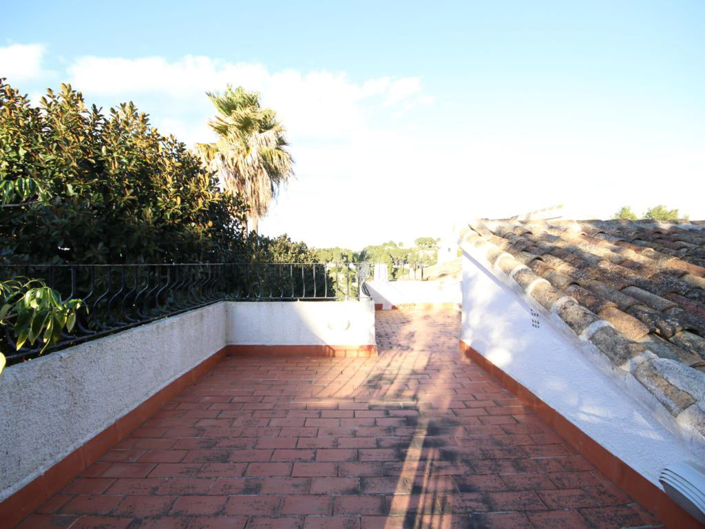 Terraza de la casa Atina Inmobiliaria