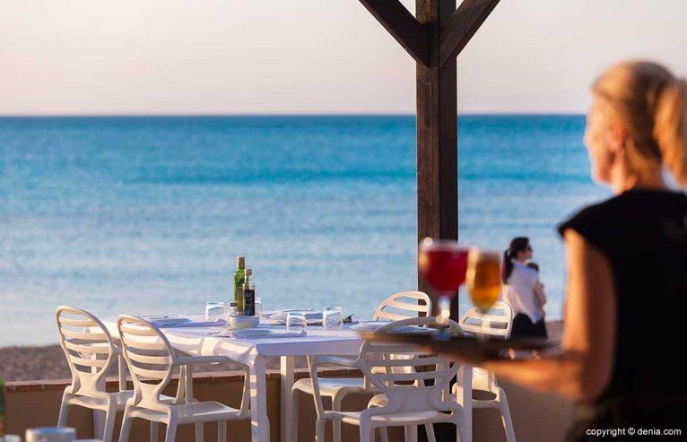 Terraza ideal para disfrutar del mar Restaurant Noguera