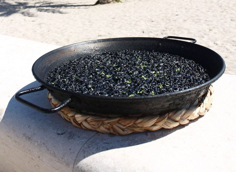 Arroz negro - Restaurante Posidonia