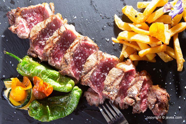 Carns a la barbacoa - Restaurant SeeMontgó