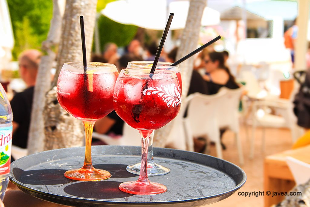 Cócteles y combinados en Jávea – Restaurante SeeMontgó