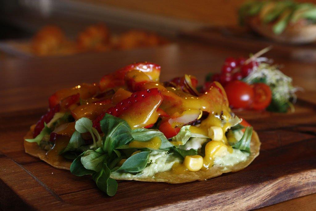 Plato con fruta – Restaurante Posidonia