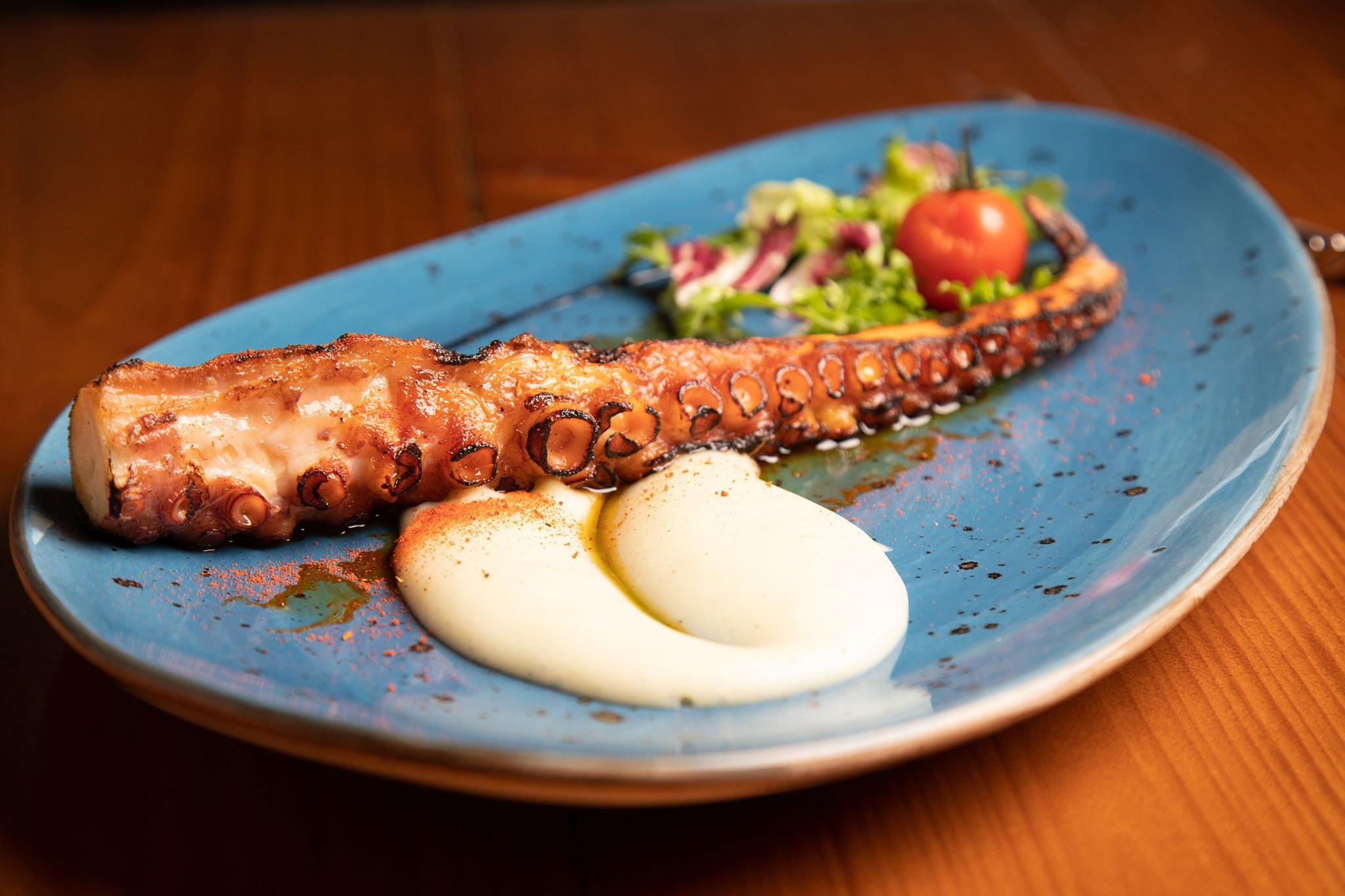 Pulpo a la brasa – Restaurante Posidonia
