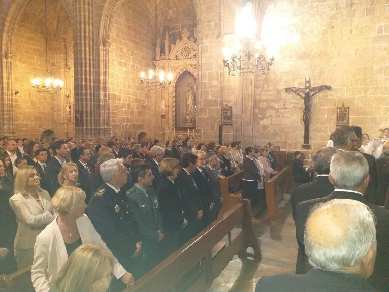 Públic assistents a la missa