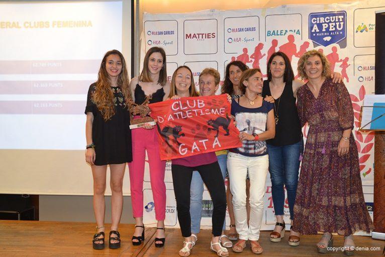 CA Gata em terceiro por equipes femininas