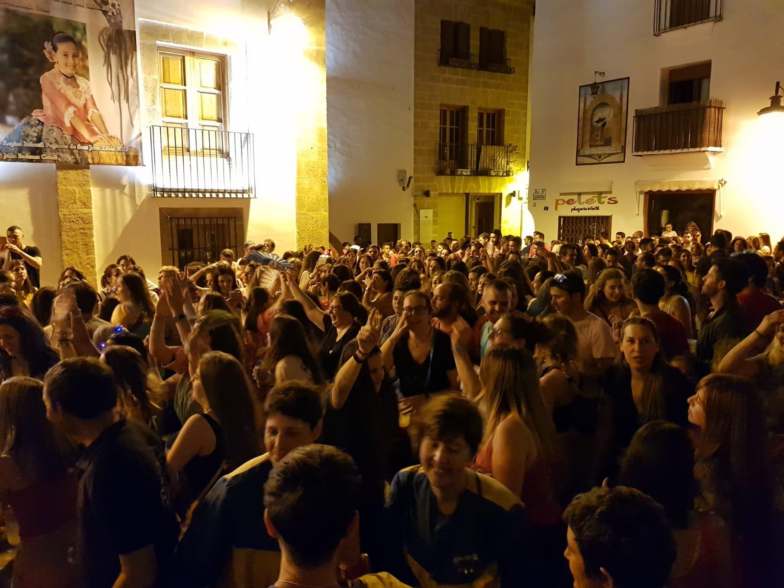 Cantos a San Juan Plaza de la Iglesia