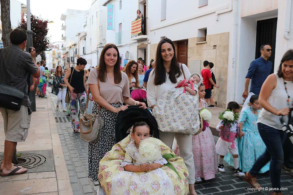 Ofrena de flors a Sant Joan-Fogueres 2019 (106)