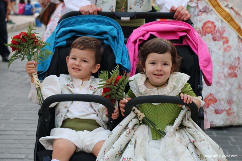 Ofrena de flors a Sant Joan-Fogueres 2019 (111)