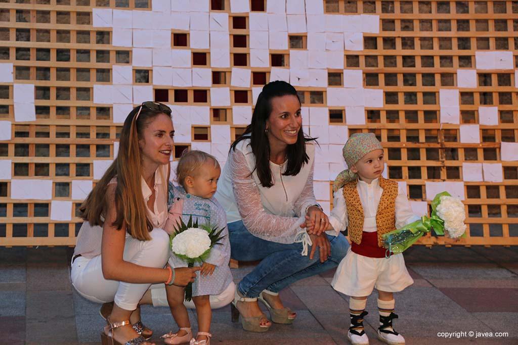 Ofrena de flors a Sant Joan-Fogueres 2019 (112)