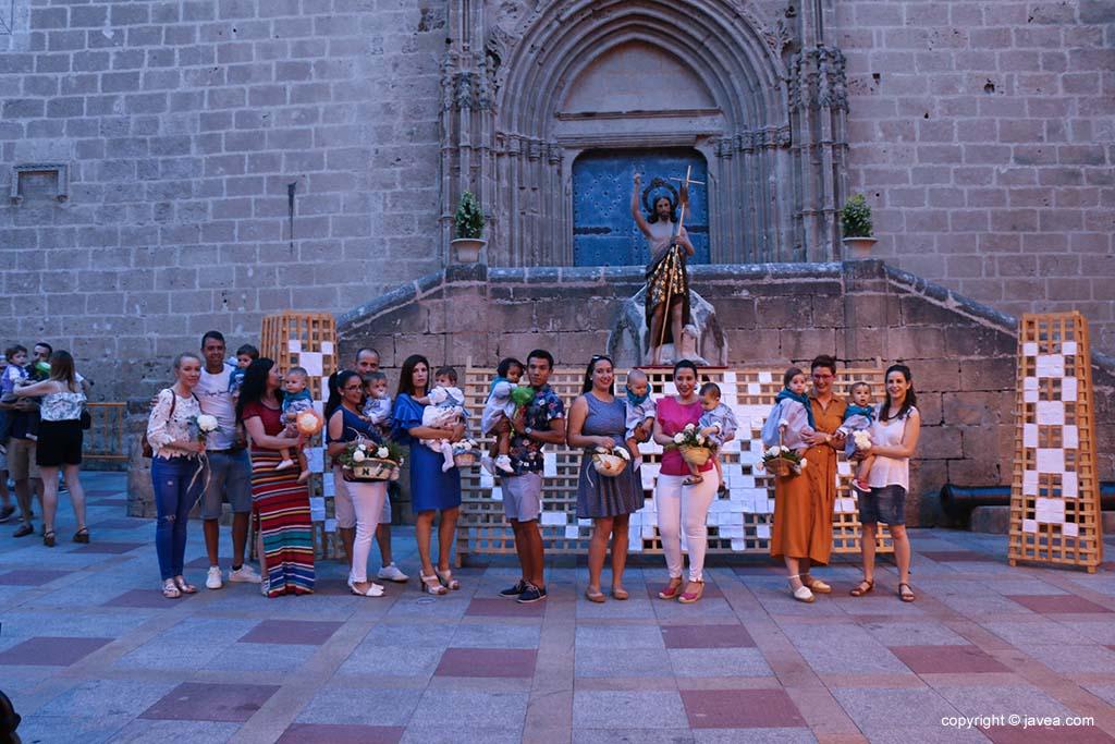 Ofrena de flors a Sant Joan-Fogueres 2019 (116)
