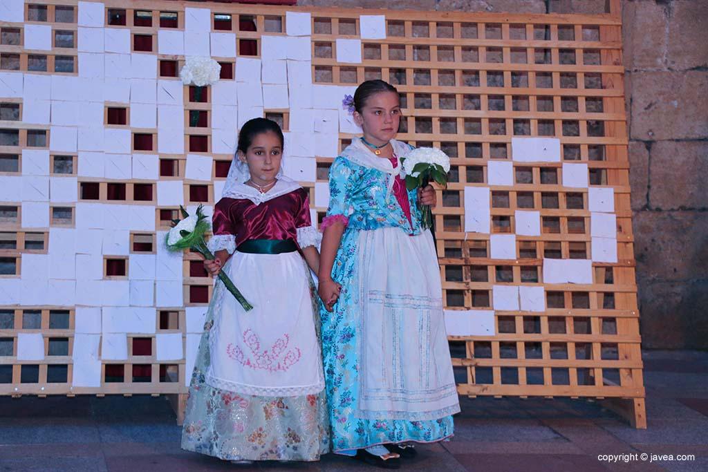 Ofrena de flors a Sant Joan-Fogueres 2019 (126)