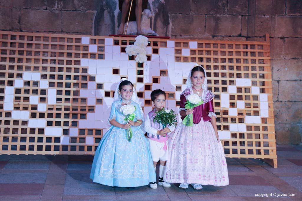 Ofrena de flors a Sant Joan-Fogueres 2019 (129)