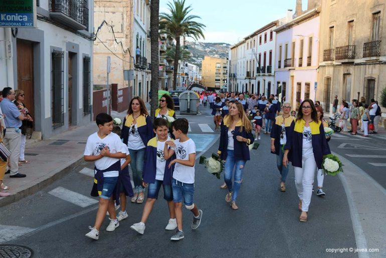 Ofrena de flors a Sant Joan-Fogueres 2019 (13)