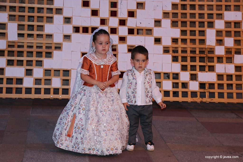 Ofrena de flors a Sant Joan-Fogueres 2019 (130)