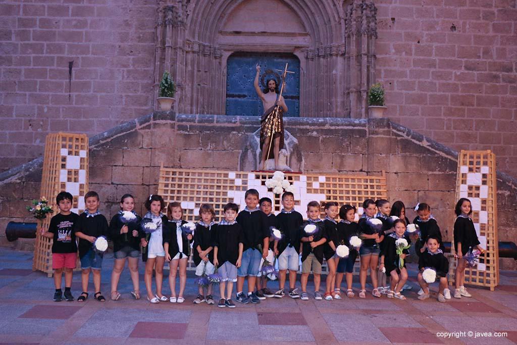 Ofrena de flors a Sant Joan-Fogueres 2019 (131)